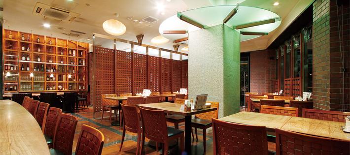 『伊達の牛タン本舗』は清潔感漂うレストランのような店内