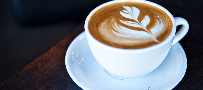 カフェイン中毒で搬送される若者が増加