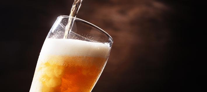 ビールサーバーで注いだビール