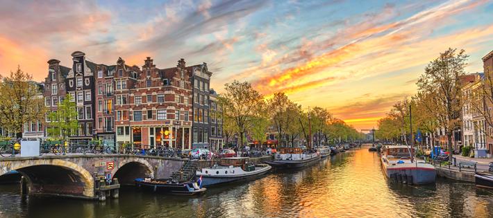 オランダの初任給