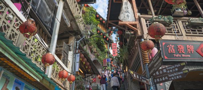 台湾の平均月給